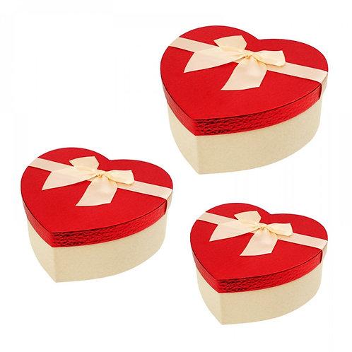 Подаръчна кутия сърце с/без аранжировка от цветя/бонбони
