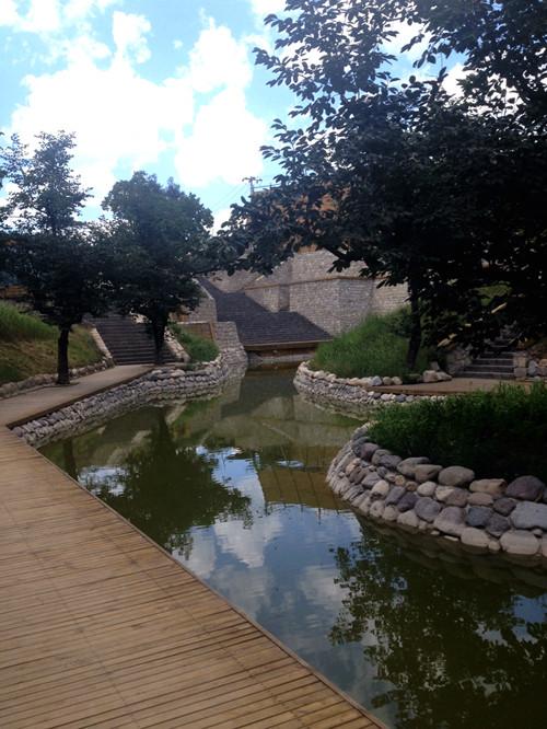 Courtyard6_sm.jpg