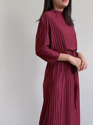 Plie Dress: Maroon
