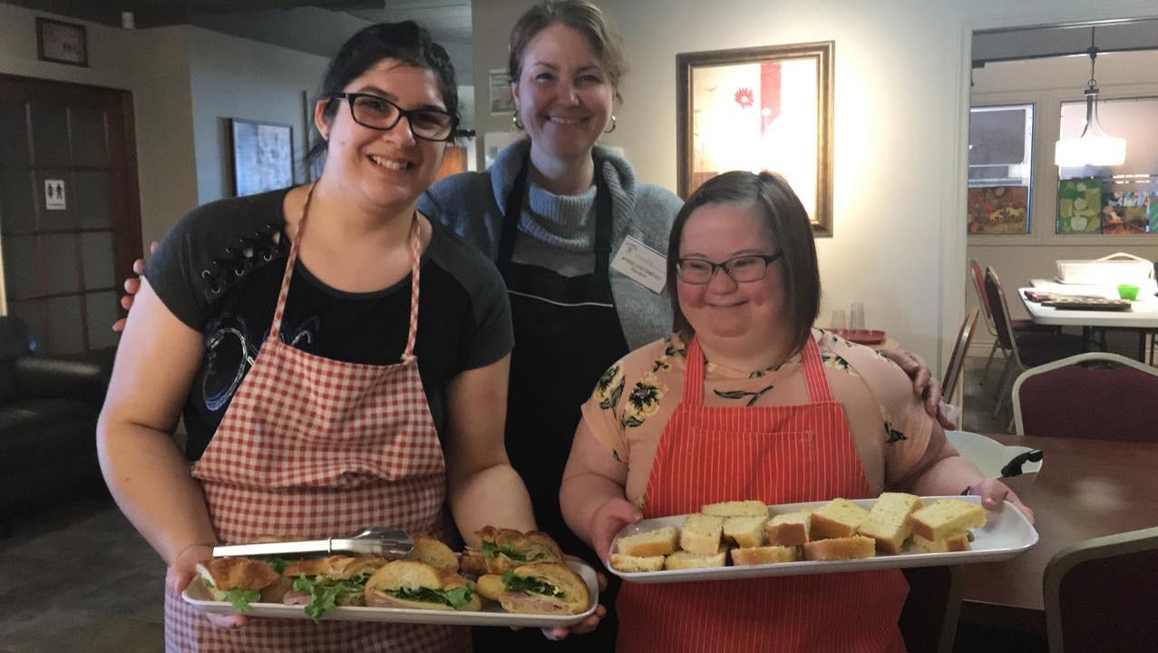Nos cuisinères (absent sur la photo: Emilie Harrison, Yvan Beaudoin et Eve-Lyne Ménard