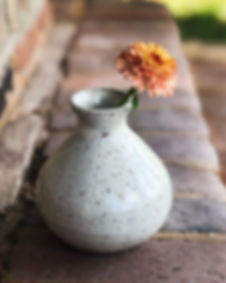 This vase and pitcher are a simple delig