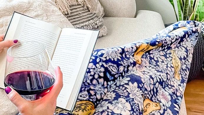 SnugHug Luxury Soft Warm Cocoon Blanket
