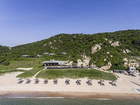aerial_view_to_the_beach_club_restaurant