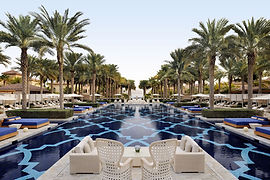 the_palm_dubai_pool_beach_resort_14_05_2