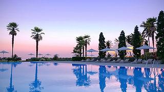 Pool-Ikos-Andalusia-1575467089.jpg