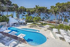Pool-Hotel-Bellevue-Losinj-1539355034.jp