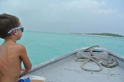 Bootsfahrt zur Nachbarinsel Jenuhura