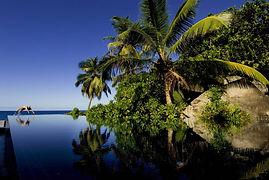 Poolanlage-im-Banyan-Tree-Seychellen-114