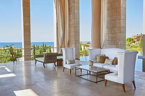 lux3290lo-210188-Open-air Lobby-Med.jpg