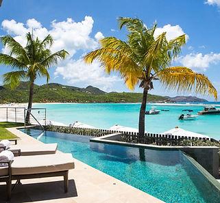 private Terrasse mit Pool.jpg