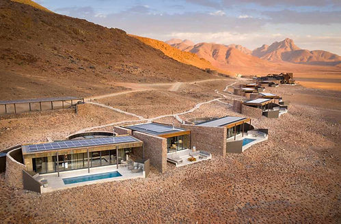 Familienluxusreise in die andBeyond Sossusvlei Desert Lodge