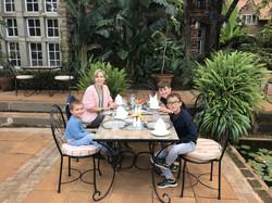 Familienluxusreise ins Giraffe Manor