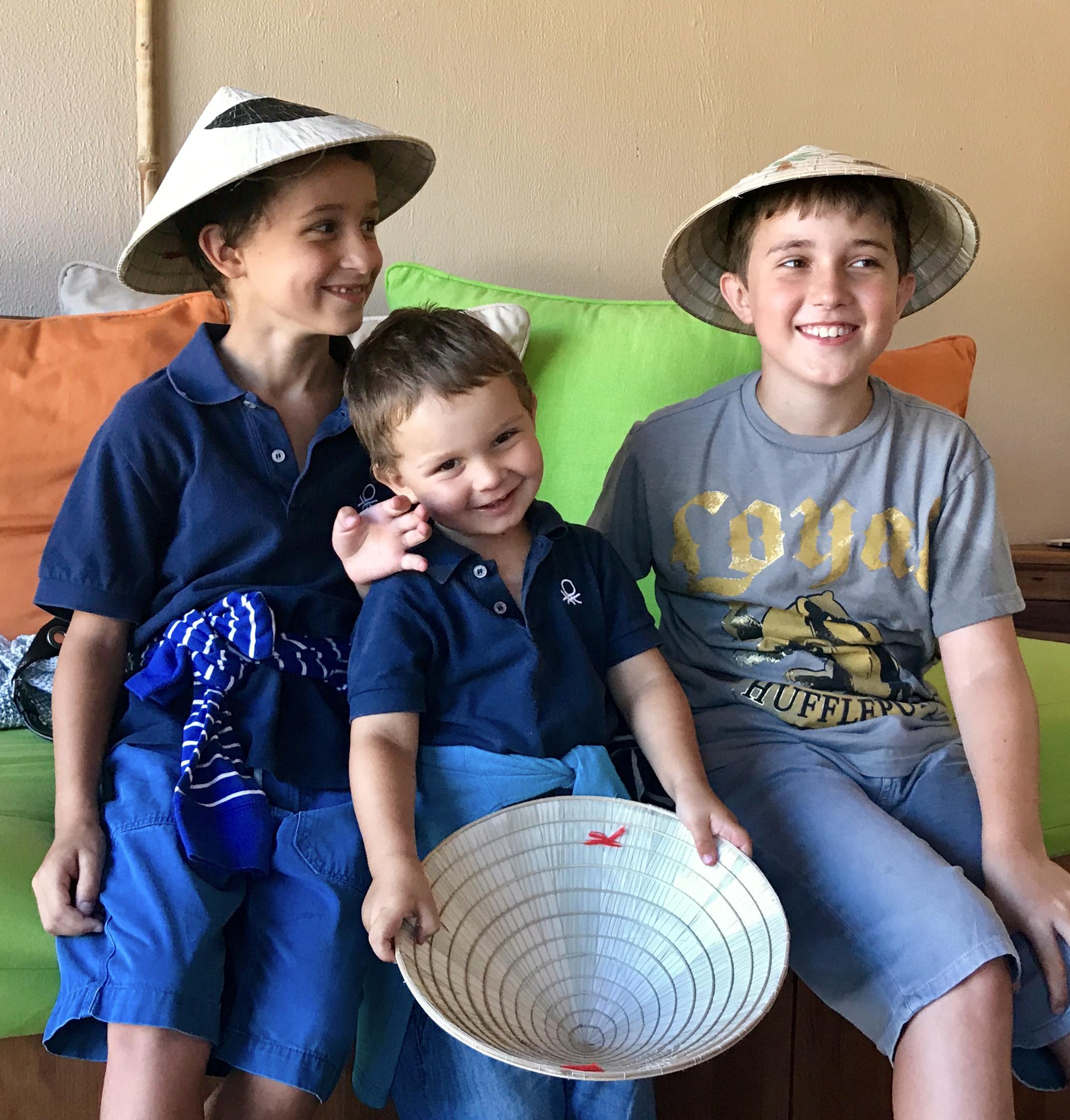 Vietnamesische Hüte zum Abschied