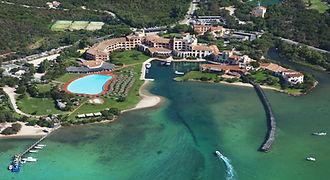 Cala_di_Volpe_Hotel_CostaSmeralda_Aerial