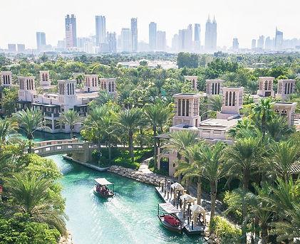Familienluxusreise ins Jumeirah Dar Al Masyaf