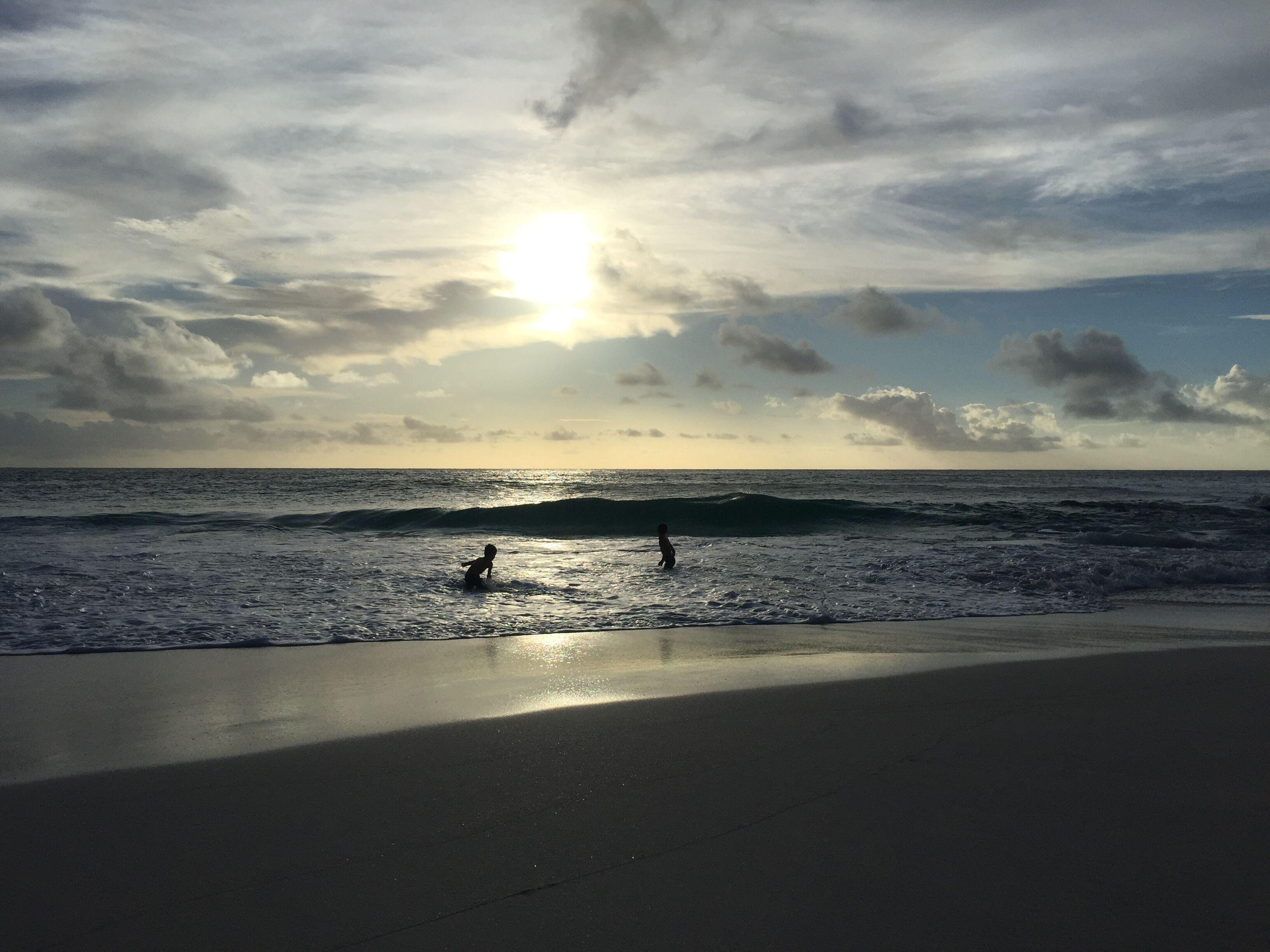 Anse Gorgette bei Sonnenuntergang