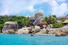 Six_Senses_Spa_from_sea_[6800-LARGE].jpg