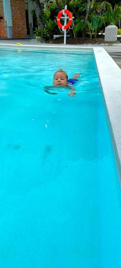 Felix lernt Schwimmen