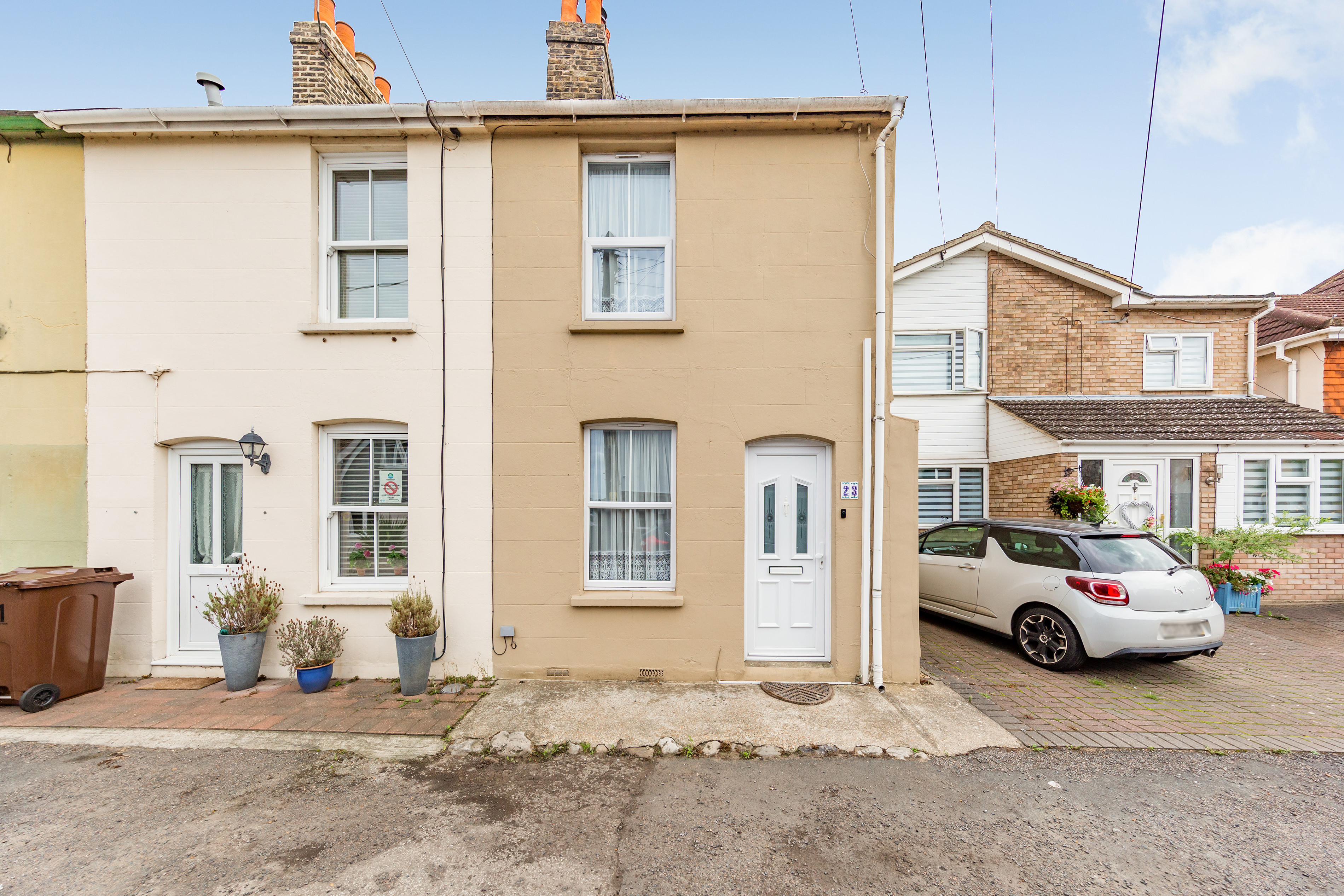 UPNOR - Guide Price £225,000-£230,000