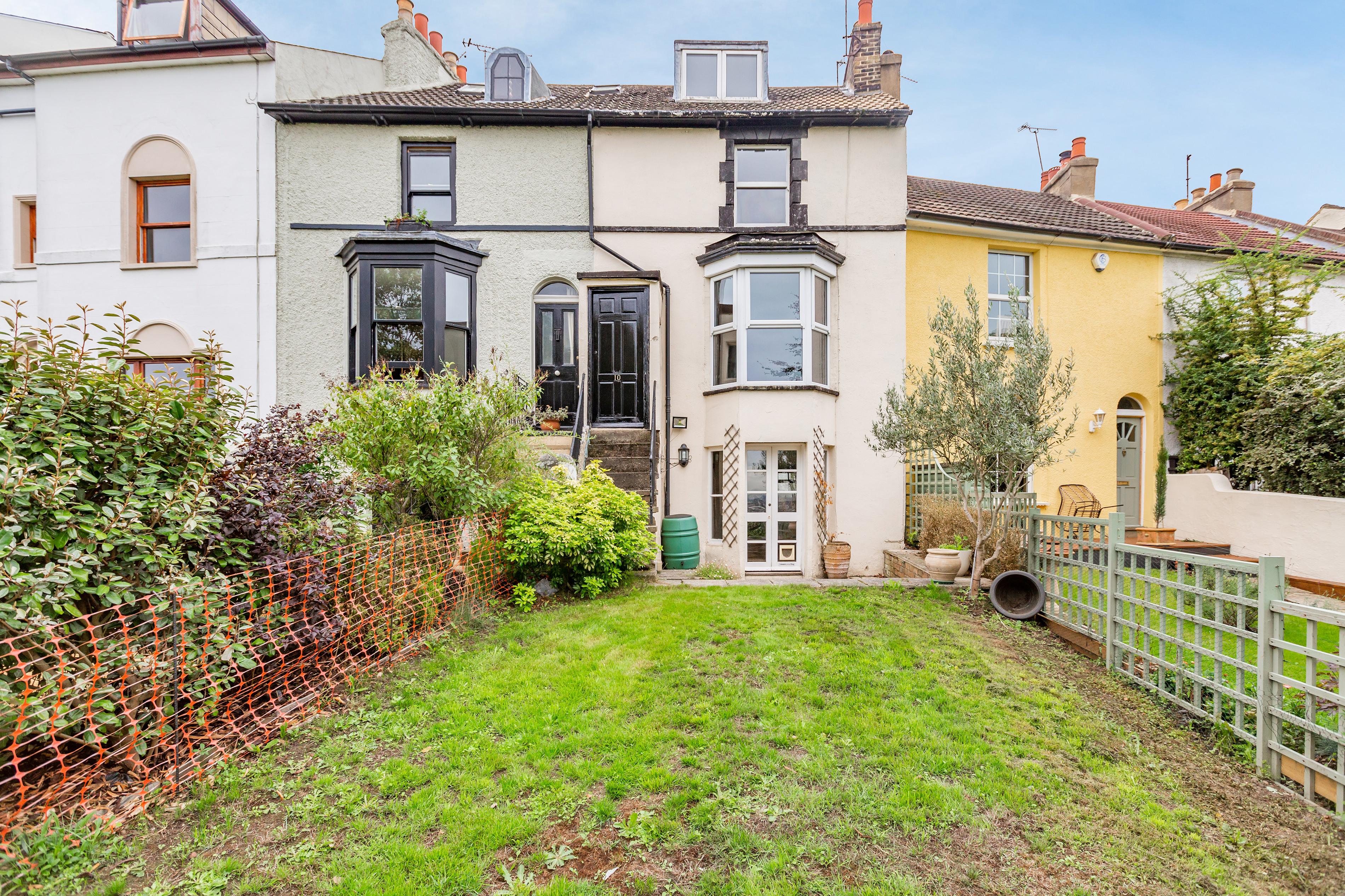 Gravesend - £440,000