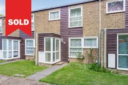 New Ash Green - £305,000