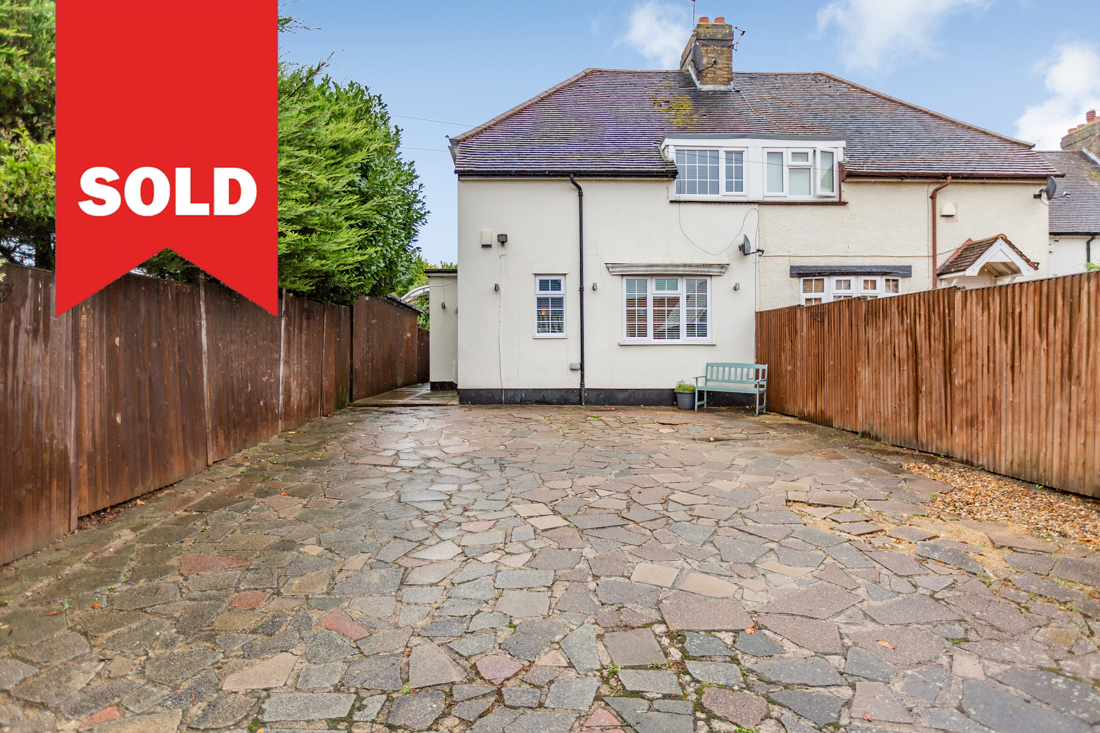Longfield - OIEO £435,000