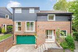 New Ash Green - £585,000