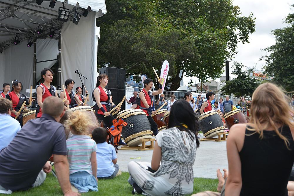 地元日本人留学生による和太鼓の演奏