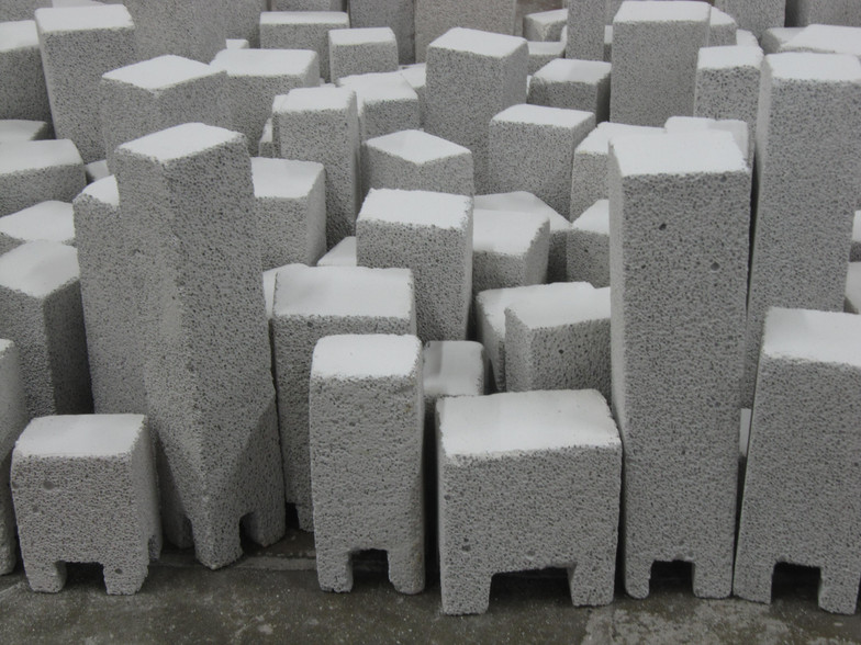 Sinking (detail), aerated concrete, video, 100/60 cm, 2017