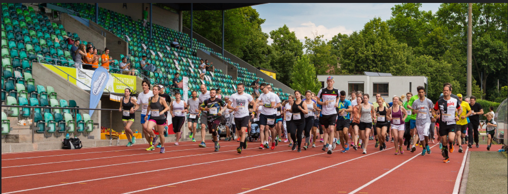Läufer_von_vorne_schräg_schmal