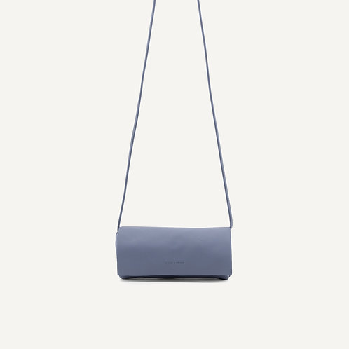 Jūgoya full moon bag • pebbled pu • faded blue