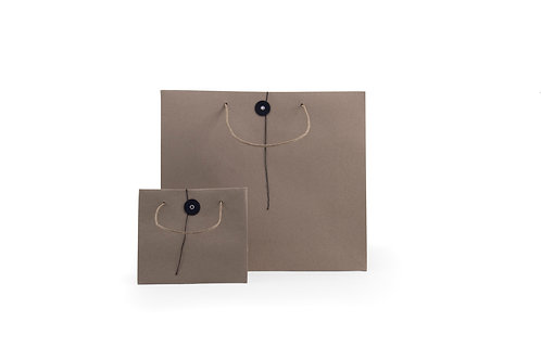 Paperbag with japanse closing button