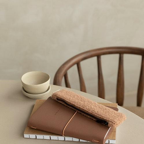 Pencilcase • wool • cashew