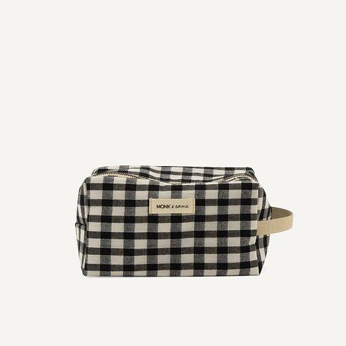 Toiletry bag • linen • check