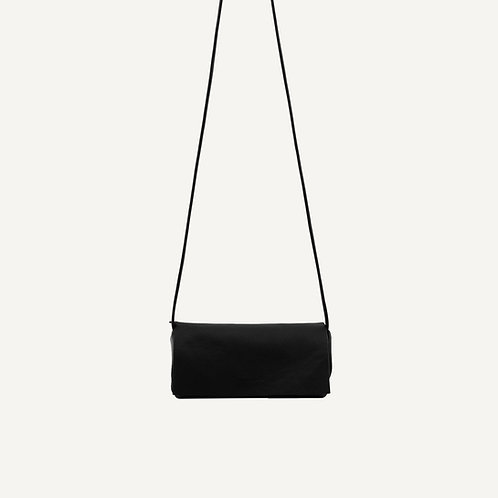 Jūgoya full moon bag • pebbled pu • black