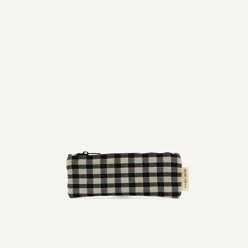 Make up pouch • check