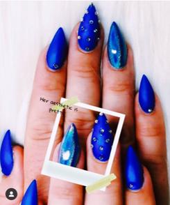 blue nails.png