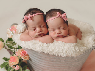 Twins: Newborn