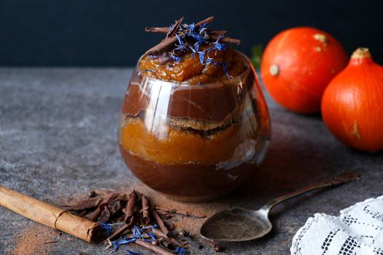VEGAN CHOCOLATE PUMPKIN TIRAMISU (GLUTEN-FREE)
