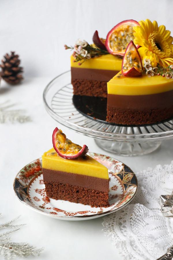 #Vegan, #Glutenfree, #Soyfree, #Nutfree, #ChocolateCake, #Entremet, #Passionfruit