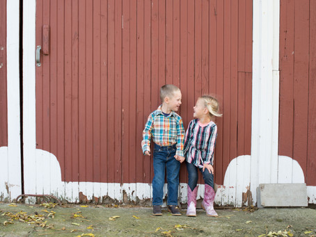 Family Shoot: A Dad, Two Kids & A Barn