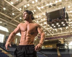 Physique Competitor Ryan Broton