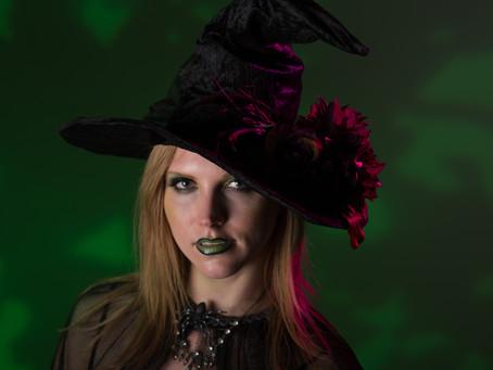 Boo! Frighteningly Fun Halloween Glam Photos!