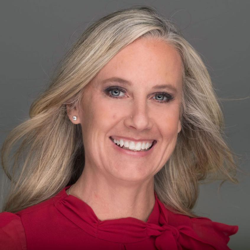 Laura Olney Headshot