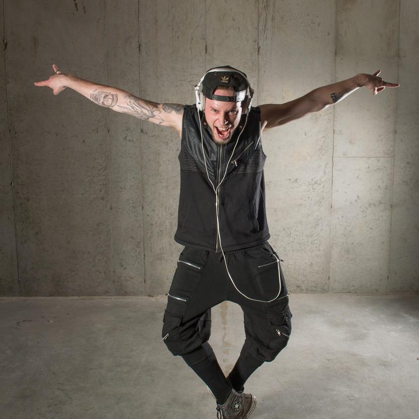 Dancer-JPWInchell-scarecrow-Grand Rapids_Studio 616