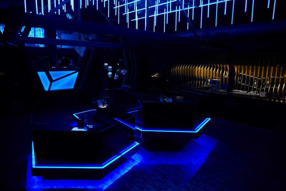 Party Places in Mumbai | Best Couple Friendly Places in Mumbai