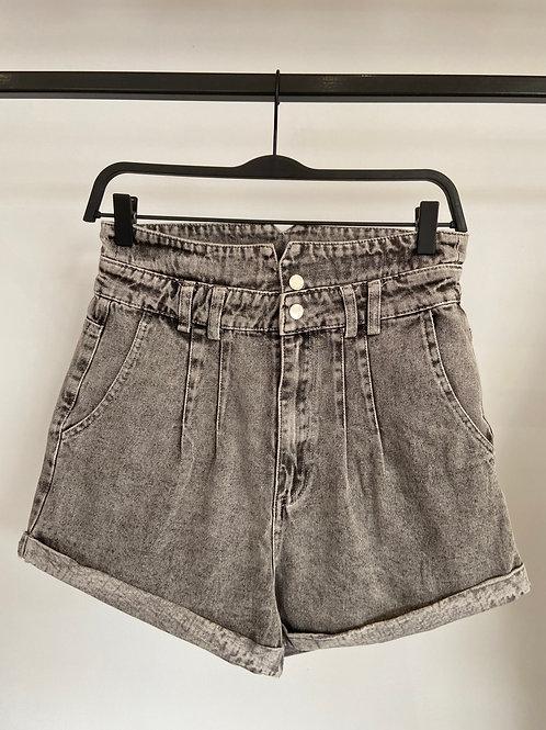 Short jeans gris