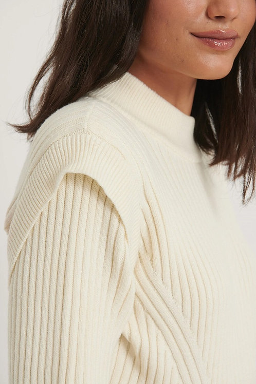 Marked shoulder knitted sweater