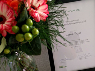 EAT Umeå creator receives a certificate of appreciation from the Umeå Kommun.