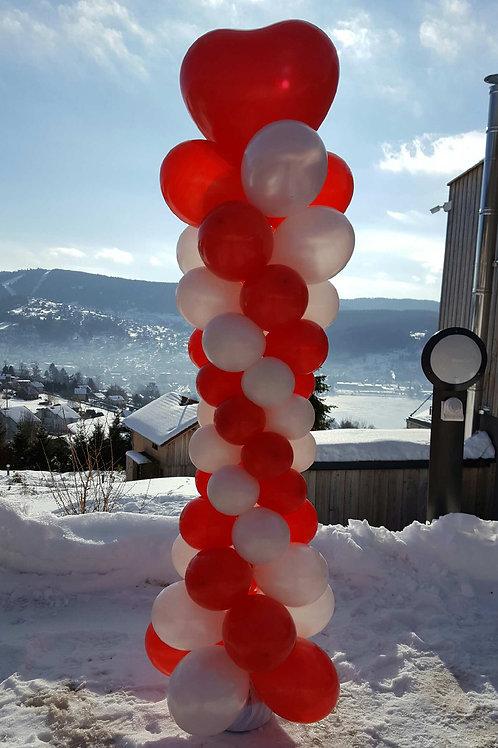 Grande colonne de ballons coeur